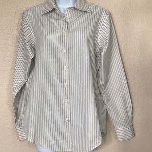 Brooks Brothers Button Down Shirt 👔 🛍
